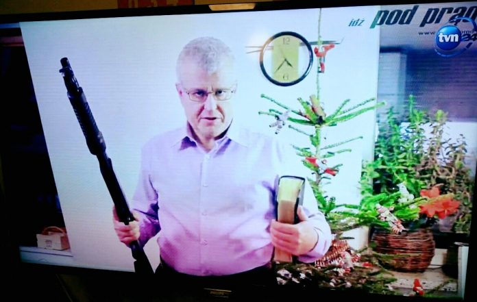 Pastor Chojecki w TVN24 o broni palnej