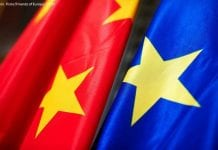 Flagi Chin i Unii Europejskiej