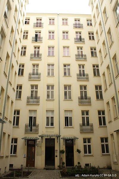 Noakowskiego 16 - dziedziniec wewnętrzny